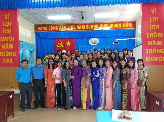 Công đoàn ngành Giáo dục tỉnh Trà Vinh kỷ niệm 111 năm ngày Quốc tế Phụ nữ 8/3/2021 và trao giải thể thao bóng chuyền hơi nữ ngành Giáo dục- Đào tạo lần I năm 2021