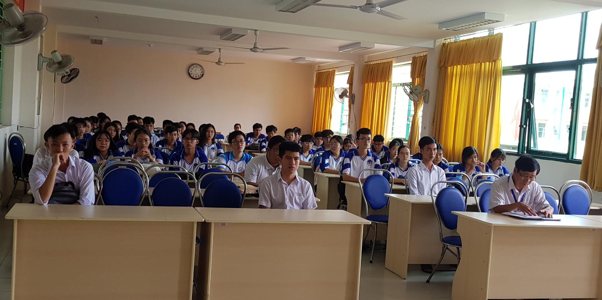 Sở GDĐT Trà Vinh: Khai mạc khóa bồi dưỡng đội tuyển học sinh giỏi THPT dự thi học sinh giỏi quốc gia năm 2021