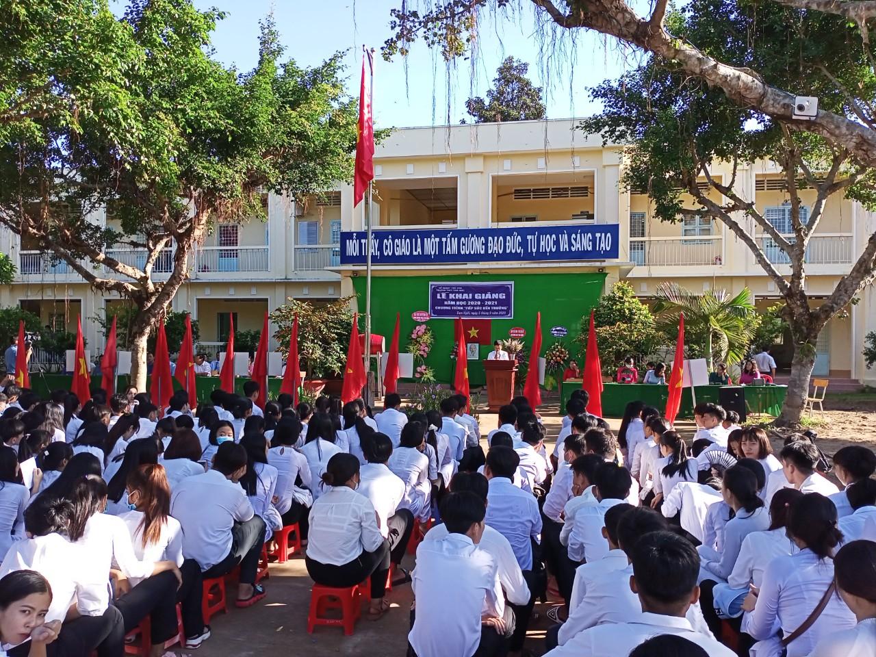 Trường THPT Tam Ngãi tổ chức Lễ khai giảng năm học 2020 – 2021