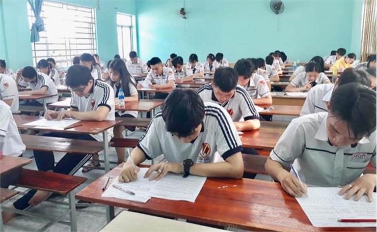 Về việc thay đổi thời gian tổ chức thi tuyển sinh lớp 10 năm học 2021 - 2022