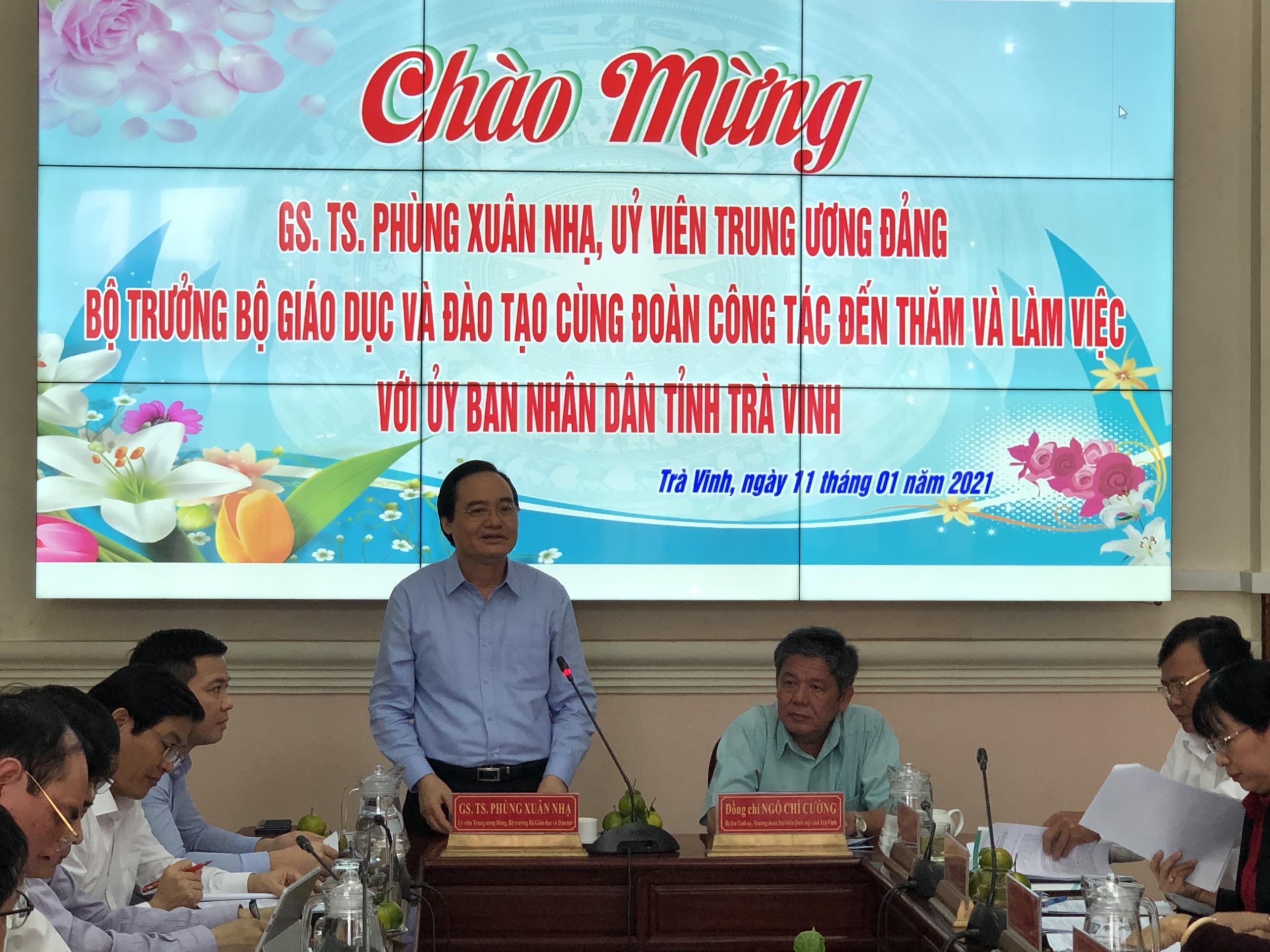 Bộ trưởng Bộ Giáo dục và Đào tạo đến thăm và làm việc tại Trà Vinh