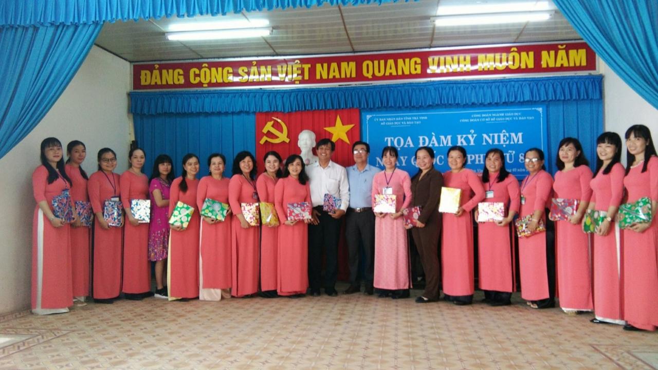 Công đoàn cơ sở Sở Giáo dục và Đào tạo Trà Vinh tổ chức tọa đàm kỷ niệm 110 năm Ngày Quốc tế Phụ nữ 8/3/2020