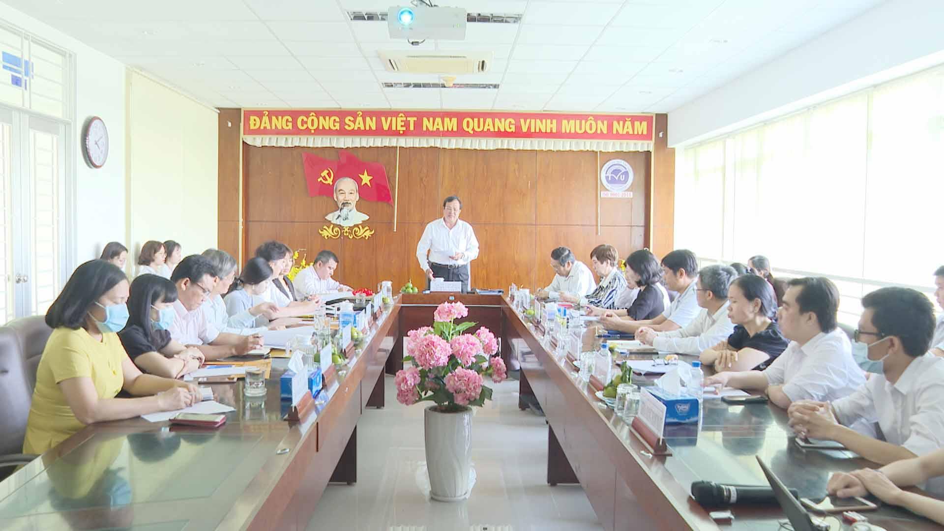 Hội nghị triển khai Dự án phòng ngừa bệnh viêm nhiễm thông qua chăm sóc răng miệng cho học sinh Tiểu học ở Trà Vinh