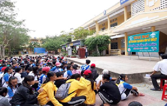 Trường THPT Hiếu Tử tổ chức các hoạt động hướng đến chào mừng Ngày Nhà giáo Việt Nam