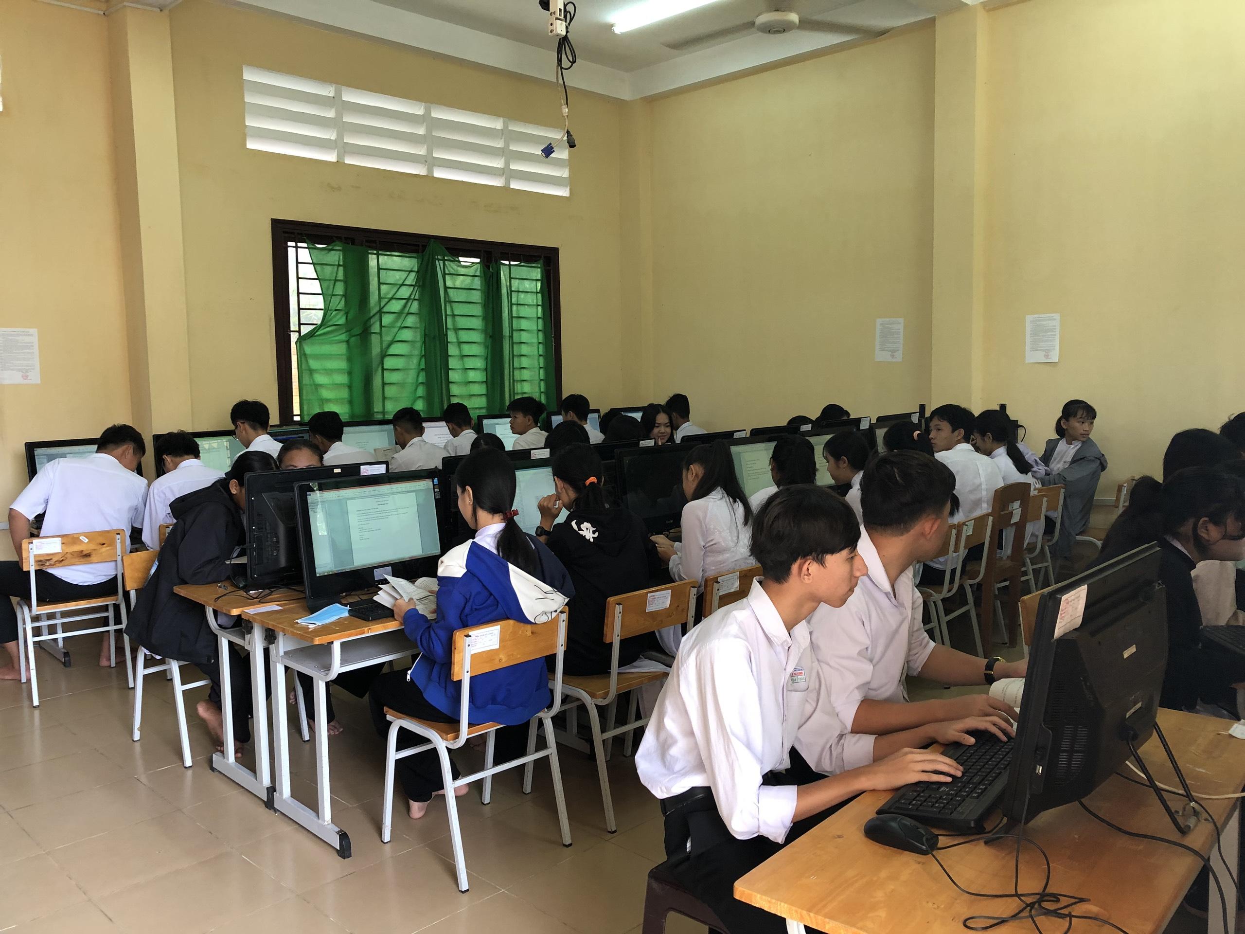 Công tác phòng, chống dịch bệnh Covid-19 trong các cơ sở giáo dục tại tỉnh Trà Vinh
