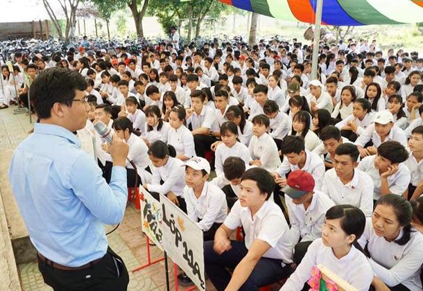 Sinh hoạt chuyên đề khởi nghiệp tại Trường THPT Hiếu Tử