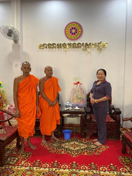 Thăm hỏi và chúc tết cổ truyền Chôl Chnam Thmây