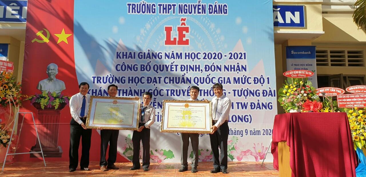 Trường THPT Nguyễn Đáng tổ chức Lễ Khai giảng năm học 2020- 2021, công bố quyết định đón nhận Trường đạt chuẩn quốc gia mức độ 1