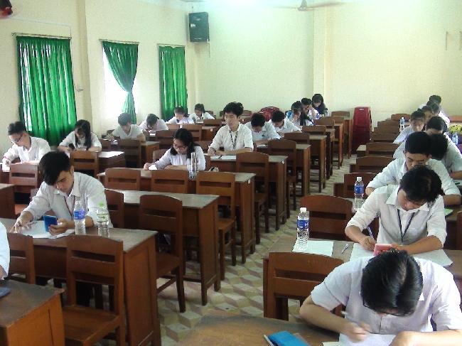 Trên 1200 học sinh tham gia kỳ thi chọn học sinh giỏi lớp 11 cấp tỉnh năm học 2019 - 2020